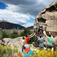 <strong>Das Bouldern rund um El Chalten ist wahrlich fantastisch und eine gute Möglichkeit auf besseres Wetter (an den hohen Bergen) zu warten<strong></strong></strong>© Stefan Brunner