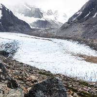<strong>Mächtige Gletscher mit anspruchsvollen Seitenmoränen gilt es im Zustieg zu meistern</strong>