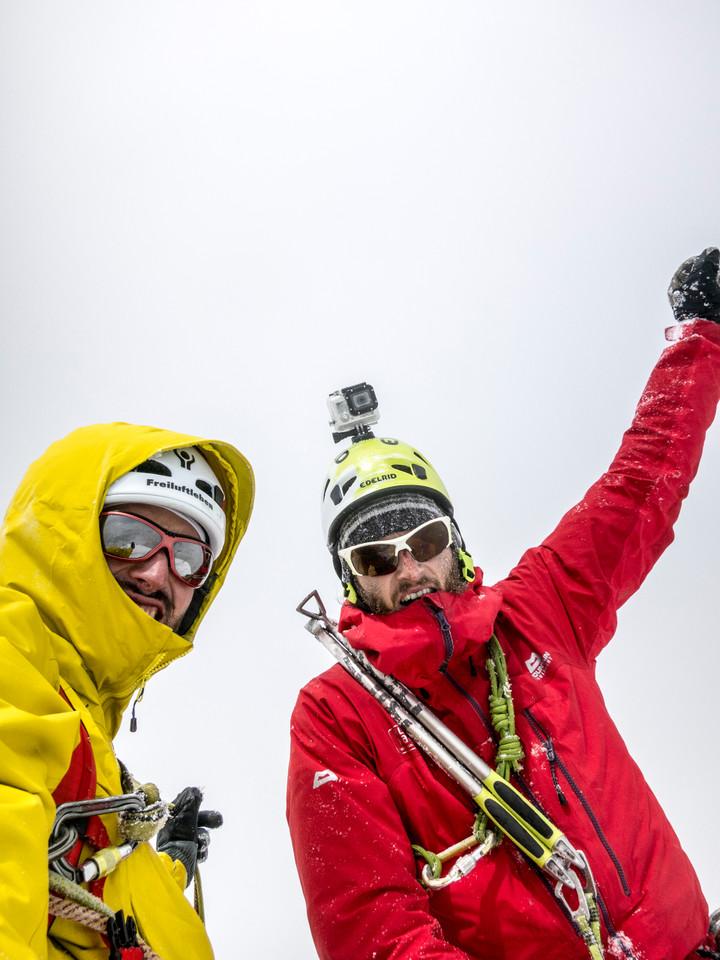 <span><strong>Juhu, Stefan und Timo haben den Gipfel des Cerro Standhardt erreicht</strong></span><span class=>© Timo Moser</span>