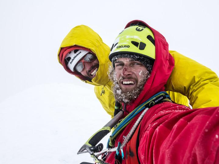 <strong>Stefan und Timo am Gipfel des Cerro Torre. Geschafft - nach mehr als 3 Stunden Reinigungsarbeit stehen Stefan und ich am Gipfel des Cerro Torre</strong>© Stefan Brunner
