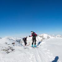 Eine moderate Aufstiegsspur mit herrlichem Panorama vom Dachstein bis zu den Radstädter Tauern