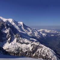 <strong>Blick auf den Mont Blanc und Chamonix von den Grand Montets</strong><span class=>© Felix Autor</span>