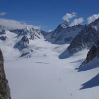<strong>Ob Voraus- oder Zurückblickend, beeindruckende Gletscherlandschaften</strong><span class=>© Felix Autor</span>