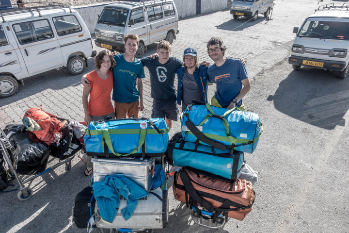 <strong>Babsi, Lorin, Thomas, Michi, Timo sind angekommen in Leh</strong><span class=>© Timo Moser</span>