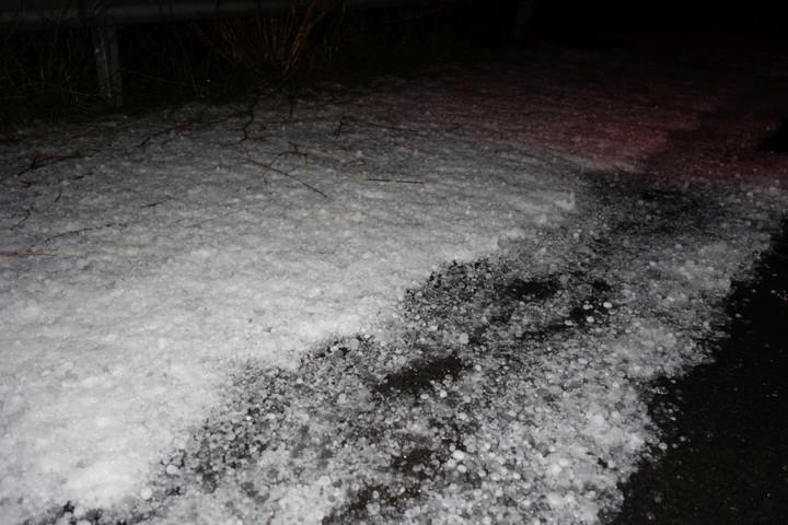 <strong>Unwetter am Peloponnes - 30cm Hagel auf der Straße, fast hätten wir die Schneeketten ausgepackt</strong><span class=>© Felix Autor</span>