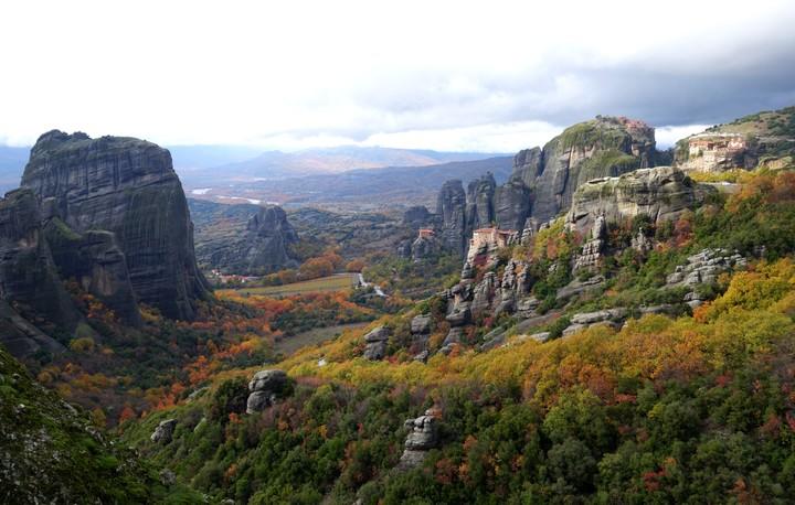 <strong>Tolle Herbstfarben in eindrücklicher Felsszenerie</strong><span class=>© Felix Autor</span>