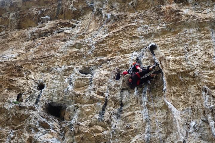 <strong>Langsames Gewöhnen an die steile Kletterei - noch wird viel gerastet :)</strong><span class=>© Felix Autor</span>
