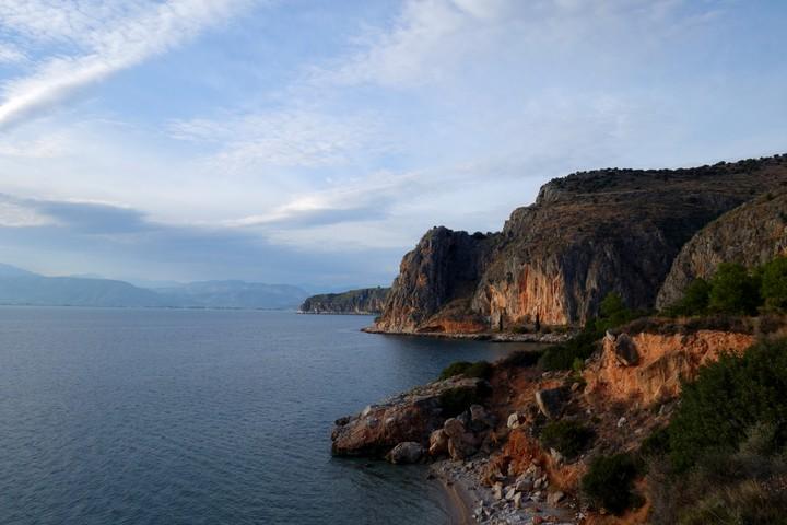 <strong>Nafplio - zauberhaftes Städtchen und Fels direkt am Meer<strong></strong></strong><span class=>© Felix Autor</span>
