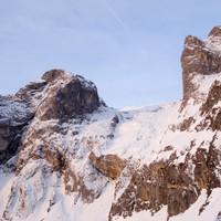 <strong>Blick auf unseren Abstieg und dem angezuckerten Tennengebirge.</strong><span class=>© Felix Autor</span>