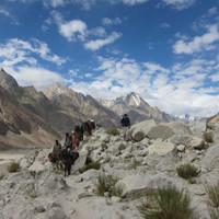<span><strong>Beim wundervollen Trekken zum Baltorogletscher</strong><span class=>© Timo Moser</span></span>
