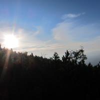 <span><strong>Die Sonne heisst uns nach sieben Längen und 4 Tagen Willkommen auf dem Latschenplateau</strong><span class=>© Felix Autor</span></span>