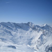 <span><strong>Zustieg und Routenverlauf der Dreiherrenspitze Nordwand vom Krimmler Achental aus</strong><span class=>© Timo Moser</span></span>