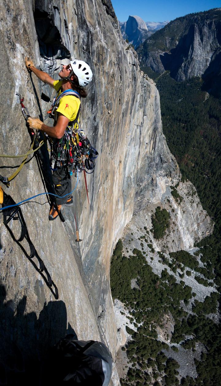 <span><strong>Hookend dem Ausstieg entgegen</strong>© Timo Moser</span>