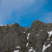 <span>Herzergreifende Annäherungen beim Felsenfenster am Grat</span>