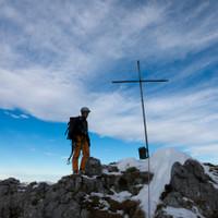 <span>Gipfel Pflughörndl, überraschend steil abfallend auf allen Seiten</span>