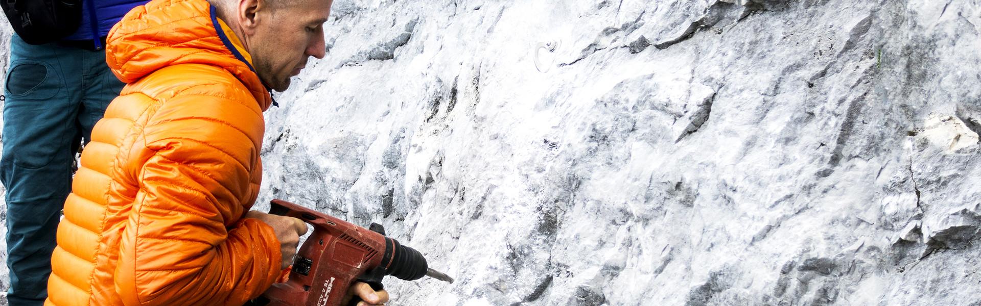 Einbohren im Fels