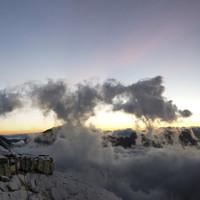 Sonnenaufgang bei der Biwakschachtel an der Großglockner-Nordwand