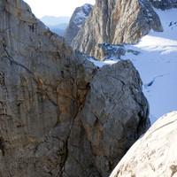 Dirndlüberschreitung im Rückblick - die Abseilfahrt geht von dem Zapfen in die Scharte