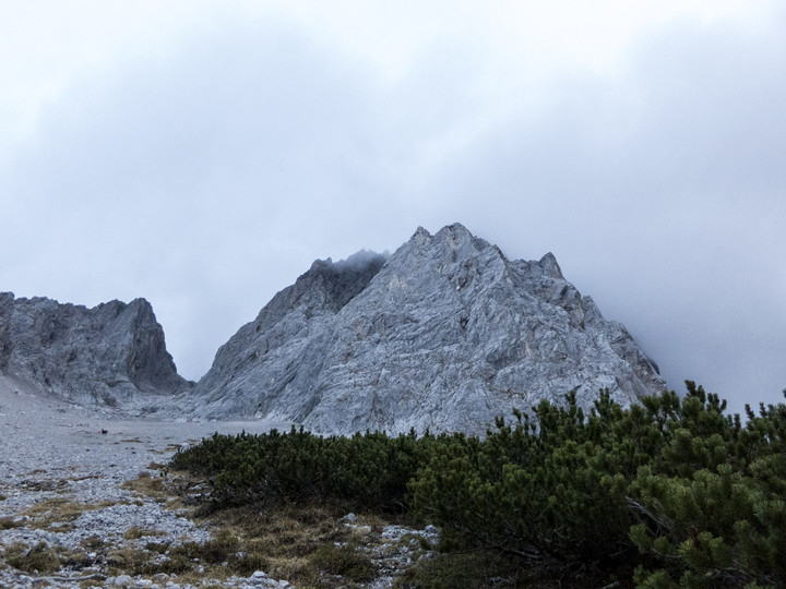 <span><strong>Windlegergrat - Obere Teil in Wolken verhüllt</strong></span><span><span class=>© Timo Moser</span></span>