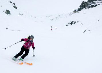 Thumbnail http://Skifahrerin%20bei%20der%20Abfahrt%20vom%20Glockner