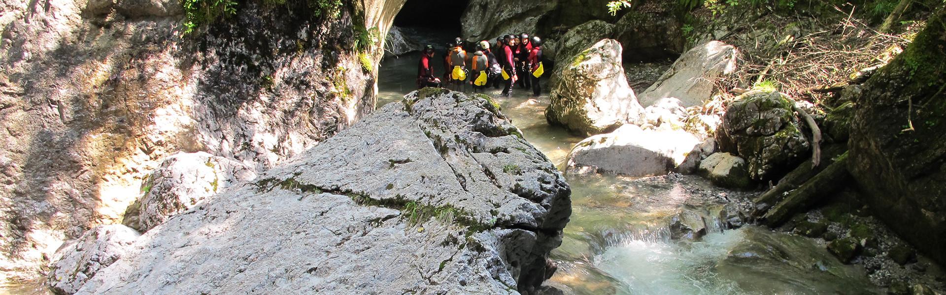 Canyoning-Gruppe in der Seisenbergklamm