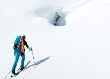 Thumbnail http://Skitourengeher%20auf%20Gletscher