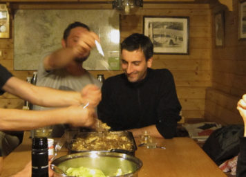 Thumbnail http://Hüttengaudi%20in%20Selbstversorgerhütte