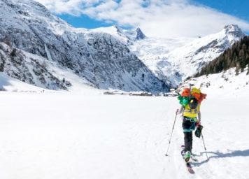 Thumbnail http://Skitourengeher%20mit%20bepacktem%20Rucksack