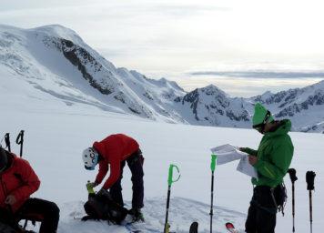 Thumbnail http://Skitourengeher%20am%20Taschachferner%20im%20Ötztal
