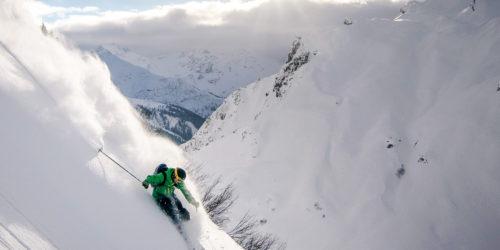 Tiefschneefahren in Pulverschnee am Arlberg