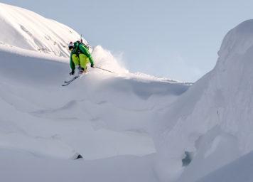 Thumbnail http://Skifahrer%20beim%20Sprung