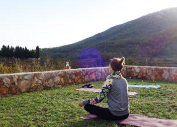 Thumbnail http://Yoga-%20und%20Meditationseinheiten%20am%20Morgen