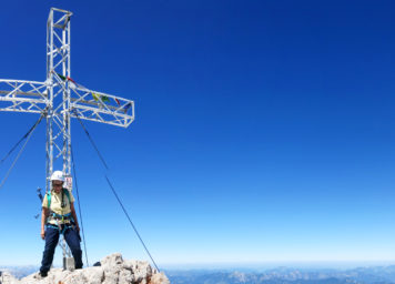 Thumbnail http://Gipfelkreuz%20Dachstein%20in%20der%20Steiermark%20Österreich