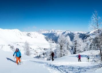 Thumbnail http://Skitourengeher%20in%20Winterlandschaft%20am%20Obertauern%20mit%20Spirzinger%20im%20Hintergrund